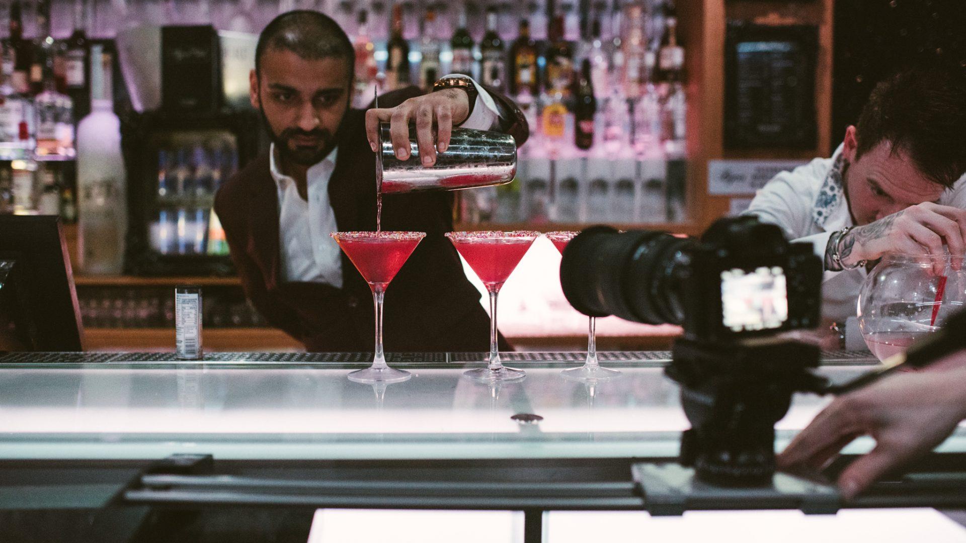 bartender-cosmopolitan